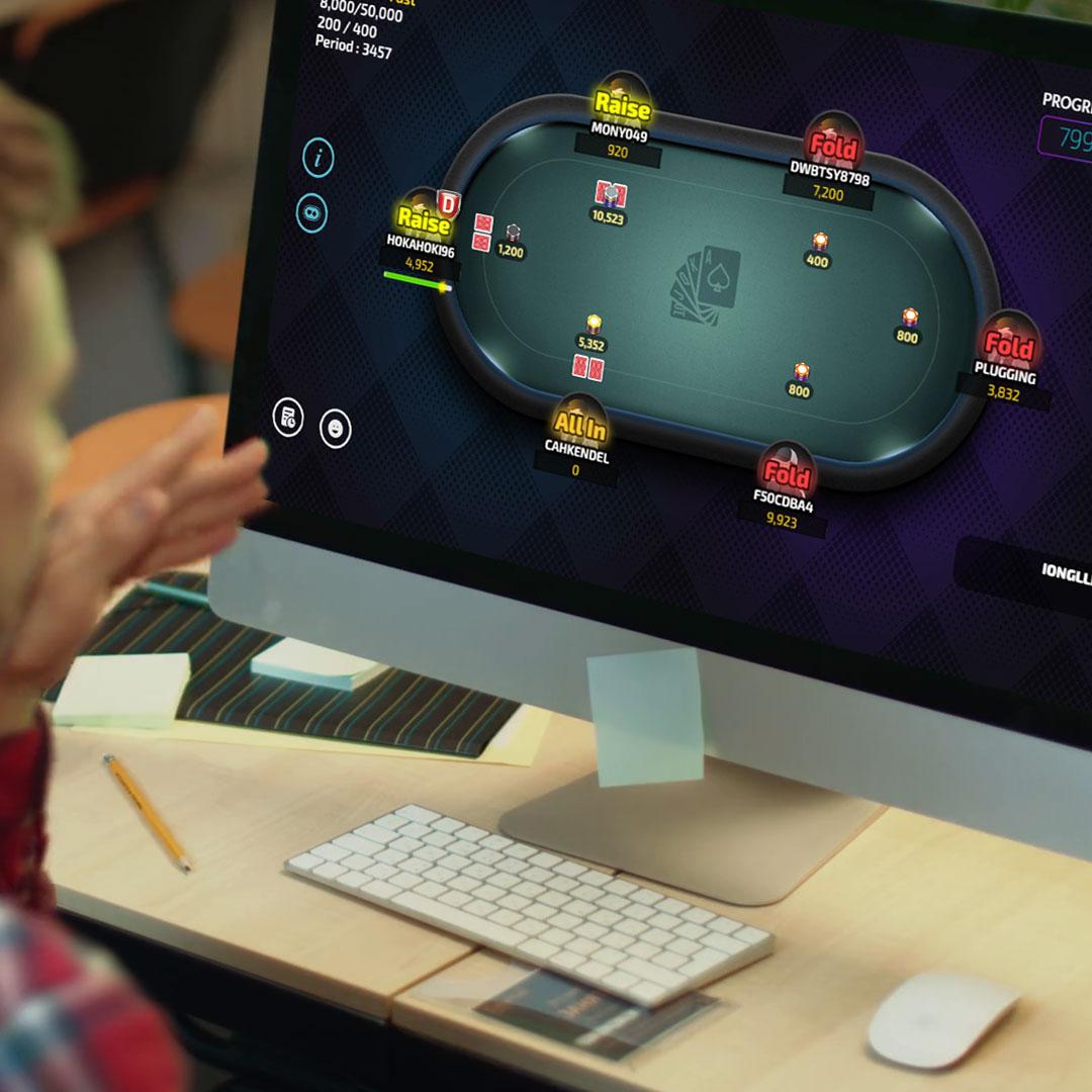 Bermain Poker Online Menggunakan Komputer